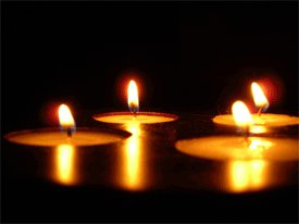 http://candlesinmyheart.files.wordpress.com/2012/07/lilin.jpg